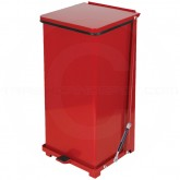 "Rubbermaid FGQST24ERD Square Quiet Close Step On Trash Can - 24 Gallon Capacity - 15"" Sq. x 30"" H - Red in Color"