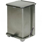 """Rubbermaid FGQST7SS Square Quiet Close Step On Trash Can - 7 Gallon Capacity - 12"""" Sq. x 17"""" H - Stainless Steel"""